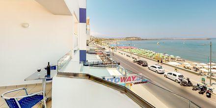 Balkon med havudsigt på Hotel Medusa i Rethymnon på Kreta, Grækenland