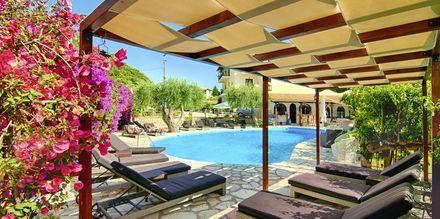 Poolområde på Hotel Mega Ammos, Sivota i Grækenland.