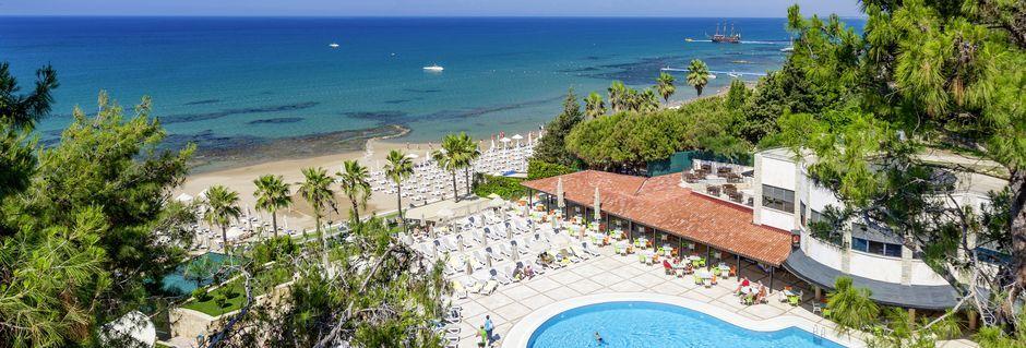 Poolområde på Hotel Melas Holiday Village i Side, Tyrkiet.