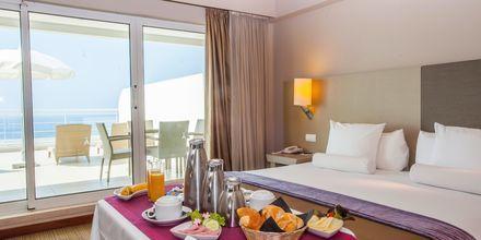 Suite på Hotel Melia Madeira Mare på Madeira, Portugal.