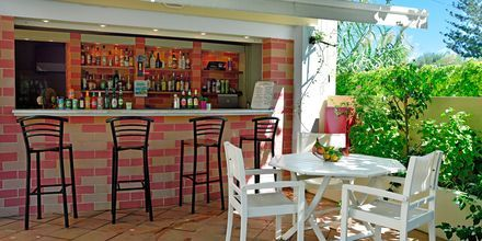 Poolbaren på hotel Melina Beach på Kreta, Grækenland