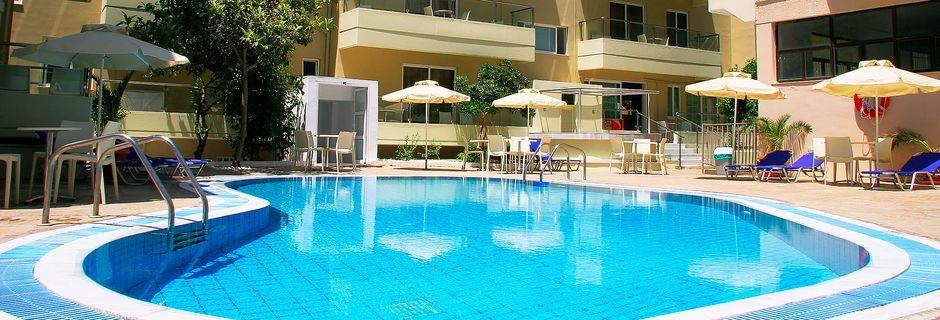 Poolområde på Hotel Michel på Kos, Grækenland.