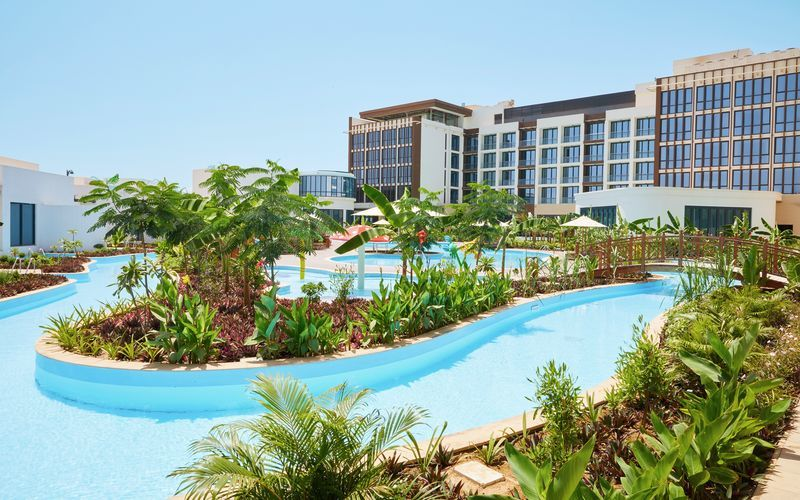 Poolområde på Millennium Salalah Resort i Oman