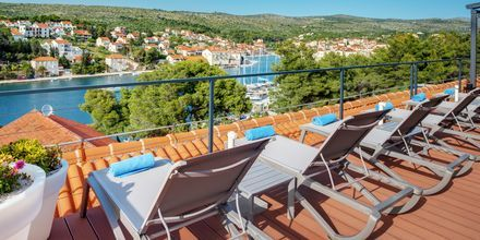 Hvis man booker dobbeltværelse med delt udeplads, får man adgang til hotellets Club Deck.