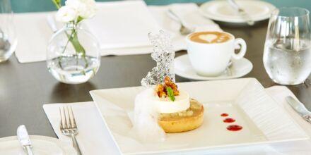 Restaurant Galazio på hotel Minoa Palace Resort & Spa i Platanias på Kreta, Grækenland.