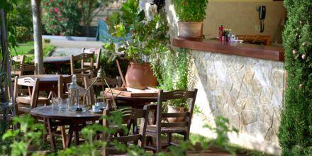 Café på Hotel Minoa Palace Resort & Spa på Kreta, Grækenland.