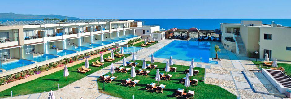 Poolområde på Hotel Minoa Palace Resort & Spa på Kreta, Grækenland.