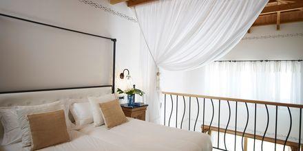 Familie-værelse i etage på Mitsis Blue Domes Resort & Spa på Kos i Grækenland.