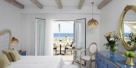Dobbeltværelse i bungalow på Mitsis Laguna Resort & Spa i Anissaras, Kreta.