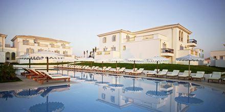 Poolområde på Mitsis Laguna Resort & Spa i Anissaras, Kreta.