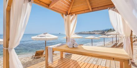 Forkælelse på stranden ved Mitsis Laguna Resort & Spa i Anissaras, Kreta.