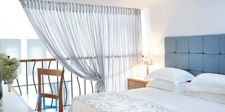 Familie-værelse i etage på Mitsis Norida Beach Hotel på Kos i Grækenland.