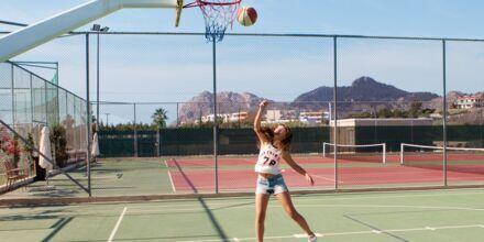 Basketball og tennisbaner på Hotel Mythos Beach Resort Afandou på Rhodos