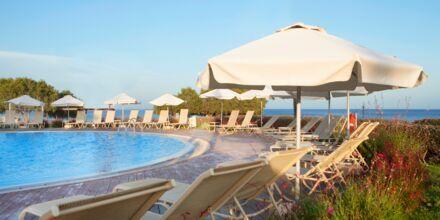Relaxpoolen på Hotel Mythos Beach Resort Afandou på Rhodos