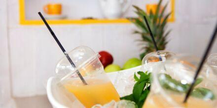Friskpresset juice på Mondo Café på Hotel Mythos Beach Resort i Afandou på Rhodos