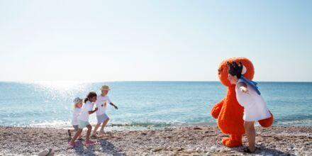 Mød Polly & Mino på Mythos Beach.