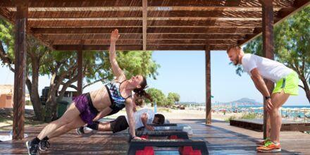 Træning ved stranden på Hotel Mythos Beach Resort i Afandou på Rhodos
