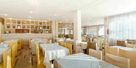 Restaurant på hotel Livadi Nafsika i Dassia på Korfu