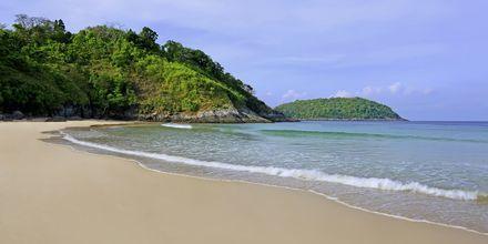 Nai Harn Beach på Phuket, Thailand.