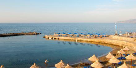 Stranden ved Nana Golden Beach på Kreta, Grækenland.