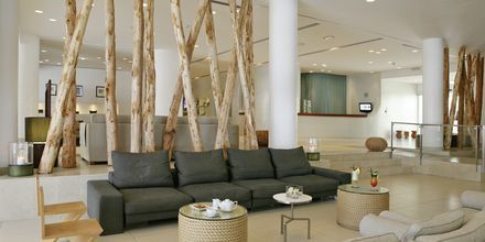 Lobbyen på Napa Mermaid Hotel & Suites i Ayia Napa, Cypern.