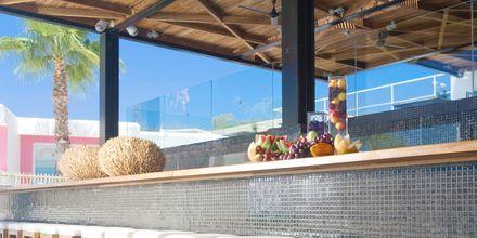 Poolbaren på Napa Mermaid Hotel & Suites i Ayia Napa, Cypern.