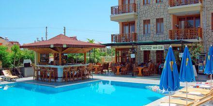 Poolområde på Hotel Nar Apart i Side, Tyrkiet.