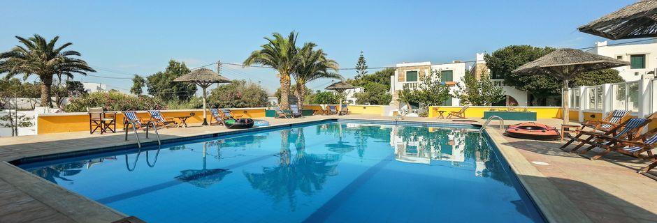 Poolområde på Hotel Naxos Beach på Naxos, Grækenland.