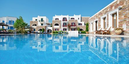 Poolområdet på Hotel Naxos Resort i Naxos by, Grækenland.
