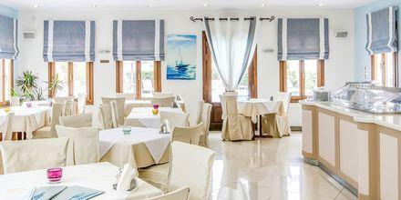 Restauranten på Hotel Naxos Resort i Naxos by, Grækenland.
