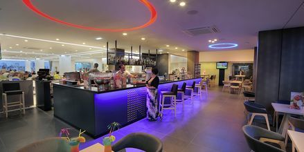 Bar på Hotel Nelia Beach i Ayia Napa, Cypern