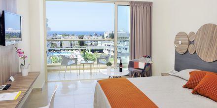 Dobbeltværelse på Hotel Nelia Garden, Ayia Napa, Cypern.