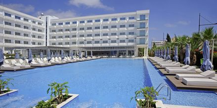 Poolområdet ved Hotel Nestor i Ayia Napa, Cypern