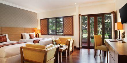 Deluxe-værelse på Hotel Nikko Bali Benoa Beach i Tanjung Benoa, Bali.