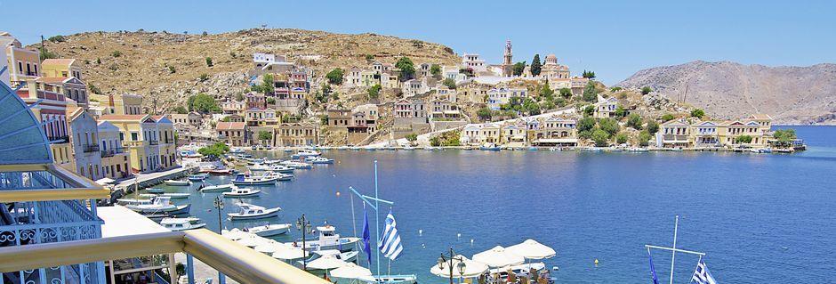 Udsigt fra Hotel Nireus på Symi, Grækenland.