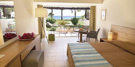 Dobbeltværelser i bungalow ved hotel Nissi Beach i Ayia Napa, Cypern
