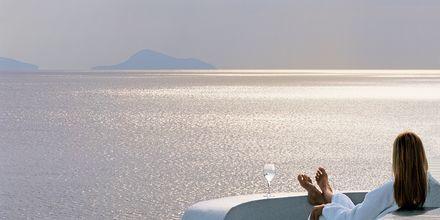 Smuk udsigt fra på Hotel Notos Therme & Spa på Santorini, Grækenland.