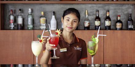 Poolbar på Hotel Orchidacea Resort ved Kata Beach, Phuket, Thailand.