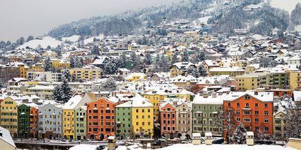 Smukt vinterlandskab i Innsbruck, Østrig.