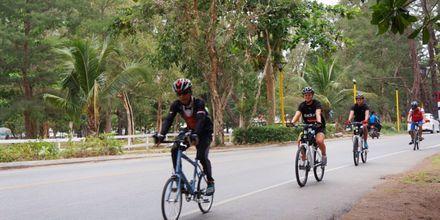 Lån af cykler på Pakasai Resort i Ao Nang, Thailand.