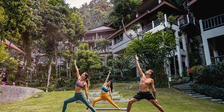 Yoga på Pakasai Resort i Ao Nang, Thailand.