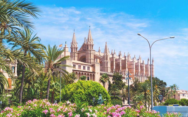 Palma de Mallorca er hovedstaden på De Baleariske Øer.