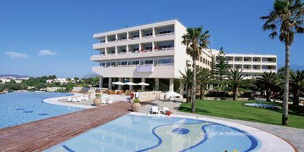 Poolområdet på hotel Panorama på Kreta, Grækenland.