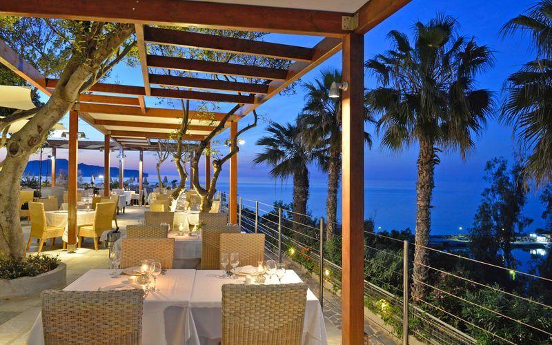 Restaurant på hotel Panorama på Kreta, Grækenland.