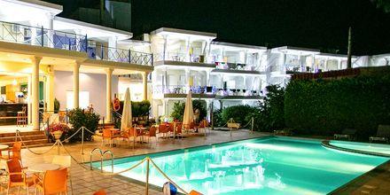 Poolen på Hotel Paradise Ammoudia i Grækenland.