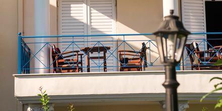 Balkon på Hotel Paradise Ammoudia i Ammoudia, Grækenland.
