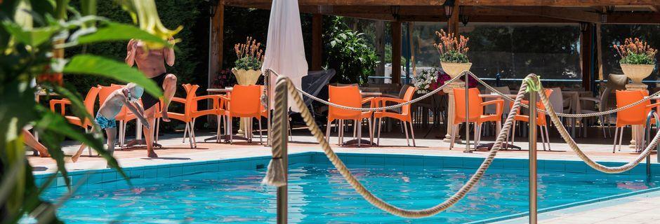 Hotel Paradise Ammoudia i Ammoudia, Grækenland.