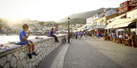 Havnepromenaden i Parga, Grækenland