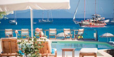 Poolområdet Omega på Hotel Parga Beach, Grækenland.