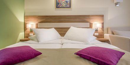 Dobbeltværelse på Hotel Park i Makarska, Kroatien.